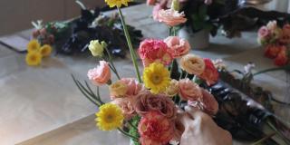 真書軒 巧偶花藝一獻給母親的花藝課 媽媽的時間 午後的她